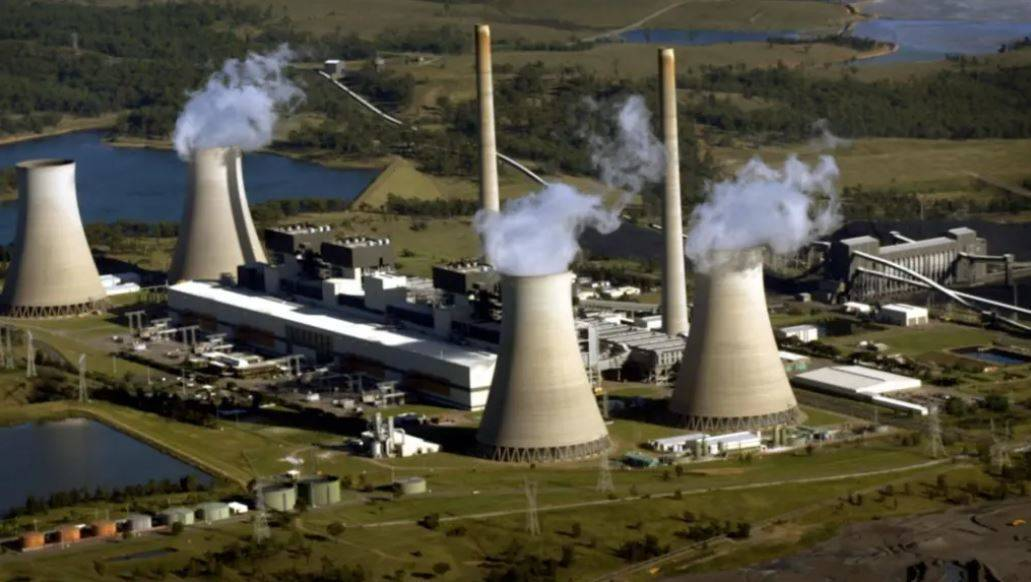 AGL's Bayswater coal-fired power station in the Hunter Valley. Picture: Glen McCurtayne