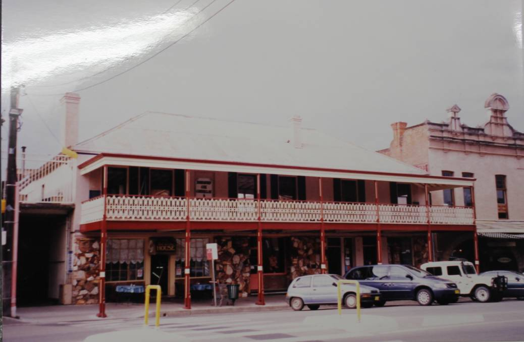 79 Market Street, also known as the Colonial Mecca building and once the Town Hall Hotel, after its verandah was re-added, photo courtesy of Mudgee Historical Society.